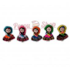 Magnet frigo poupée andine avec fleur