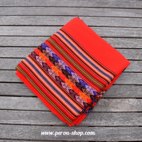 Tissu péruvien couleur rouge