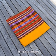 Tissu péruvien couleur jaune