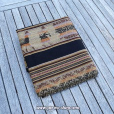 Tissu péruvien noir avec motifs Inca
