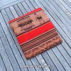 Tissu péruvien rouge avec motifs Inca